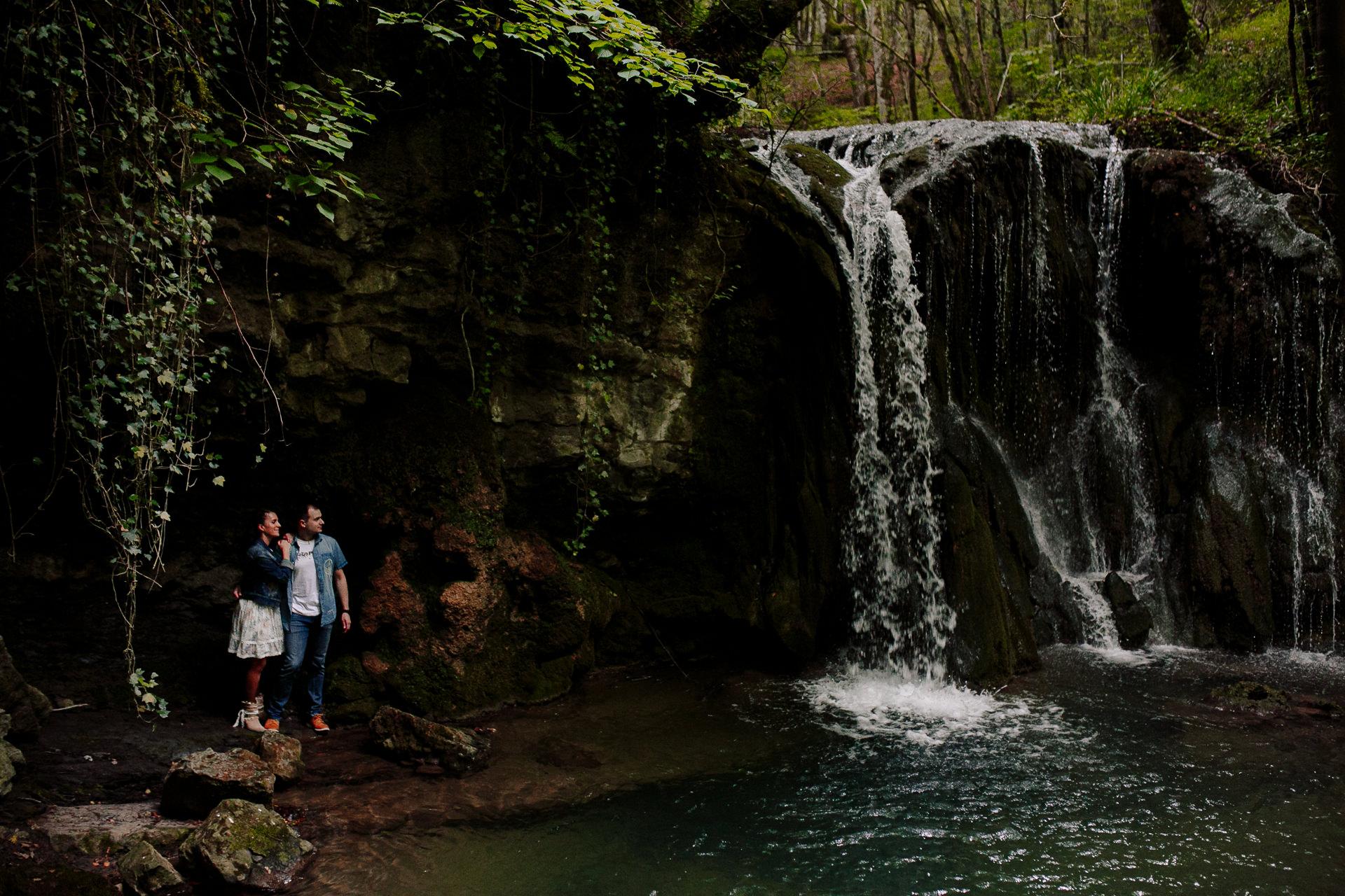 preboda cascada bosque alava 191025